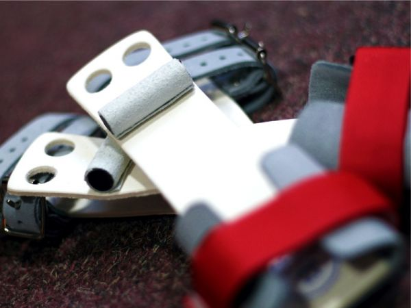 An image of the Manique Classic Ring Guards Velcro and Buckle Main